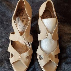 Lifestride women's high heel sandals